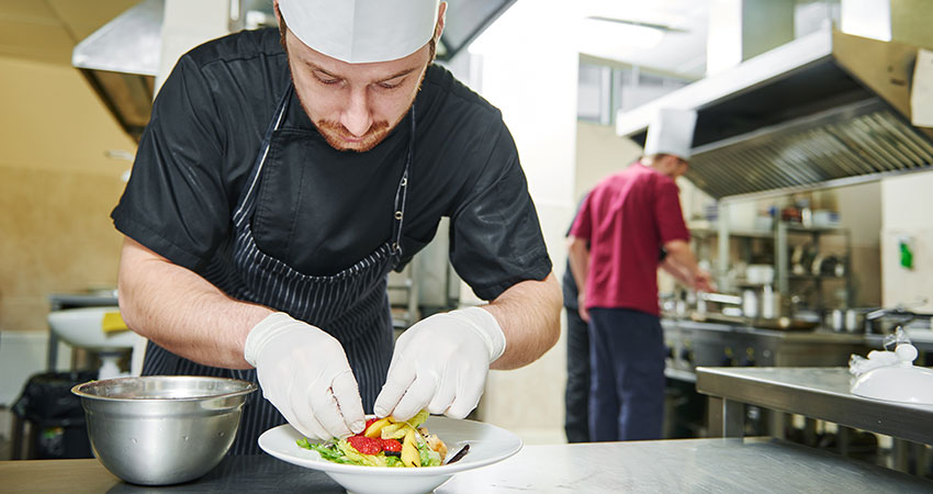 5 Food Safety Tips for Your Commercial Kitchen
